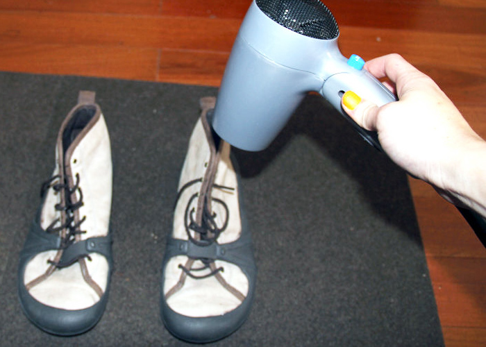 Как и чем можно убрать старый засохший клей с обуви?