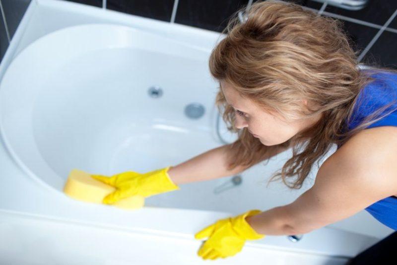Чем помыть ванну от желтизны