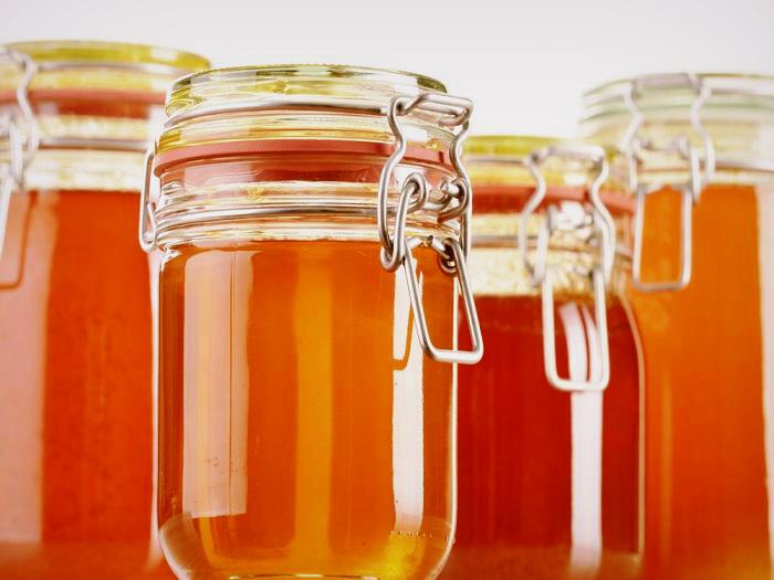 Можно ли хранить мед в холодильнике и как сохранить его питательные свойства