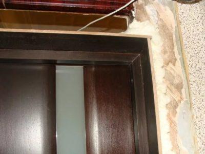 Чем отмыть засохшую монтажную пену с двери (металлической, деревянной), пластика