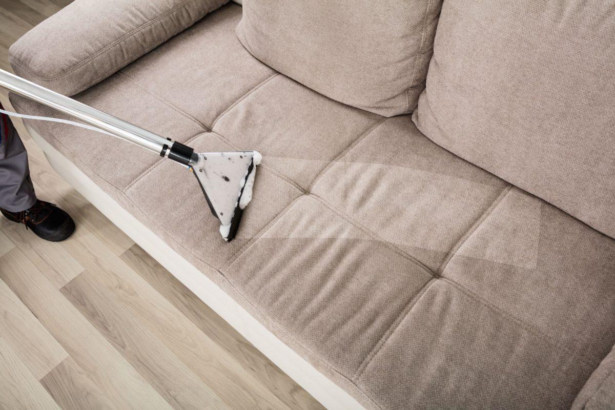 Чистки обивки дивана
