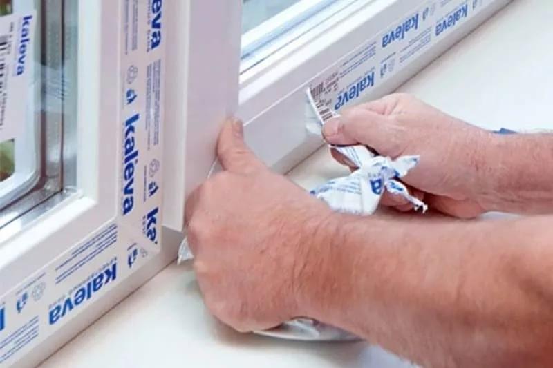 Как убрать пленку с пластиковых окон (простояли 2 года, отдирается кусочками)?