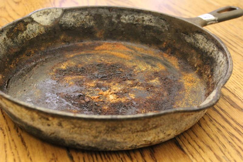 Как убрать ржавчину с чугунной сковороды — Ответы и советы