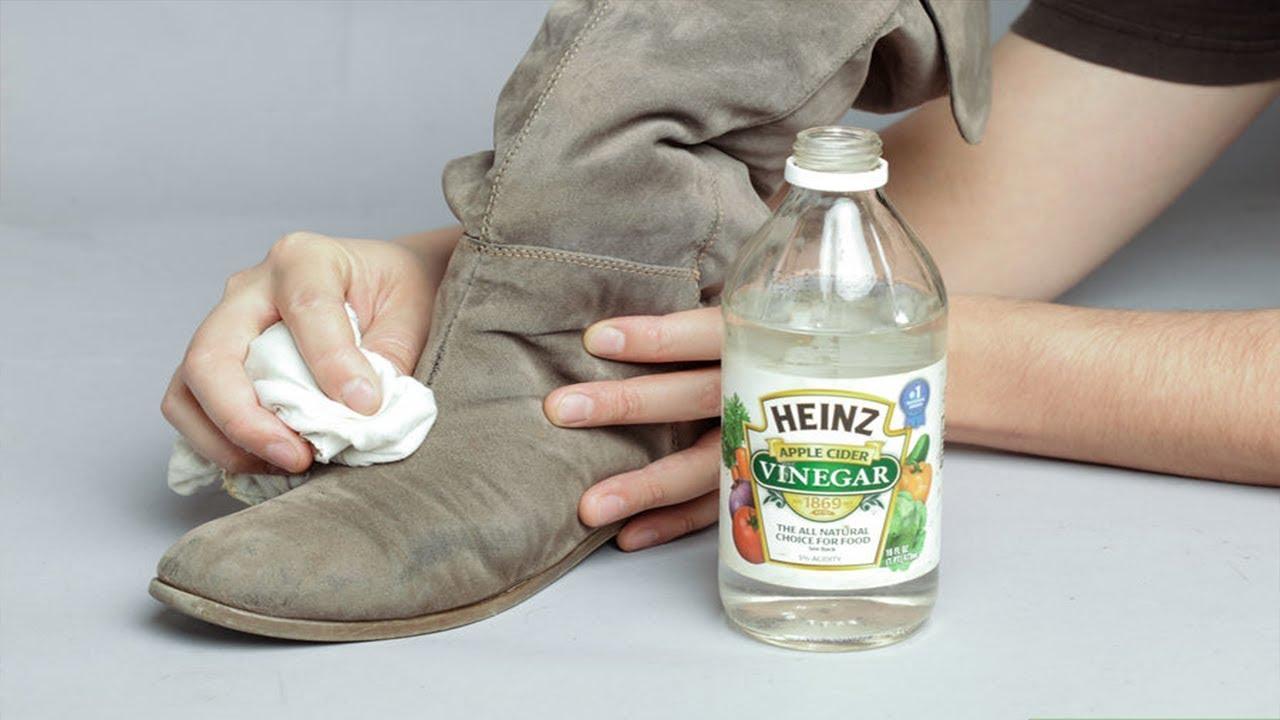 Мыть замшу уксусным раствором