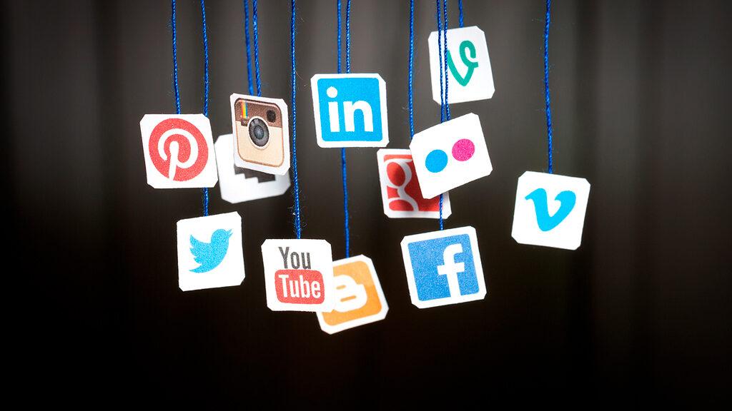 На что обращать внимание при выборе менеджера соцсетей